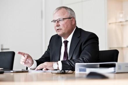 hubert waltl, vorstand produktion / volkswagen ag / kunde: wirtschaftswoche / wolfsburg 2012 / fotograf: nils hendrik mueller