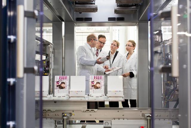 kunde: henkel ag / medium: geschäftsbericht / viersen 2012 / foto: nils hendrik mueller