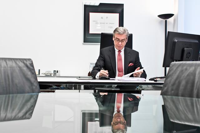 burkhardt köller, executive vice president finance and controlling tire / continental ag / kunde: handelsblatt / hannover 2012 / fotograf: nils hendrik mueller